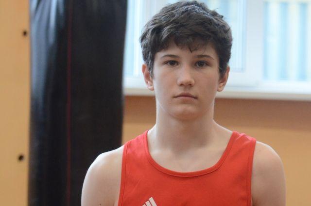 С 2016 года боксёр постоянно выигрывал соревнования в Мурманске.
