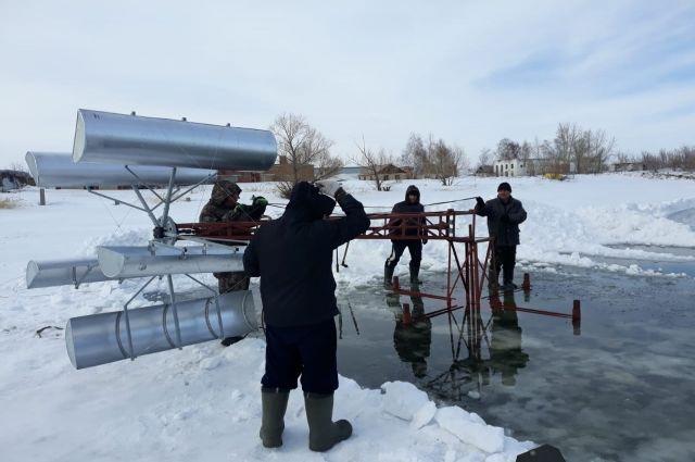 Установка, придуманная и разработанная Александром Пашининым, по его убеждению, поможет разводить в наших водоёмах ценные породы рыб.