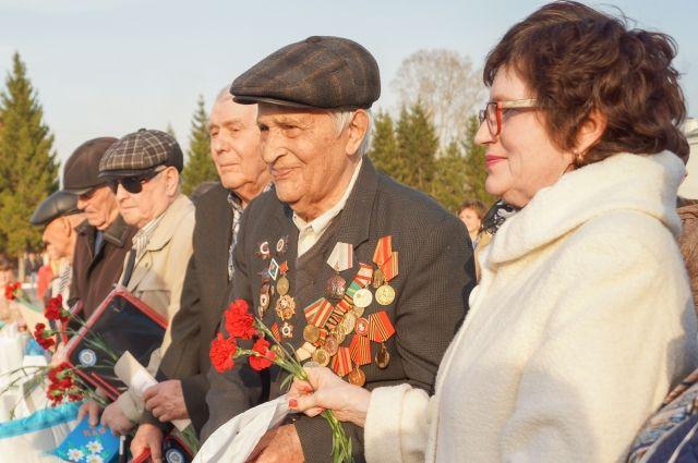 «Война несёт сме«Мир – настолько хрупкий сосуд, берегите его», – напутствовал нас ветеран Василий Сербаев.