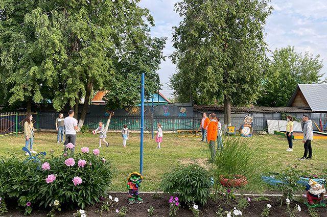 Молодые энергетики в Башкирии поздравили детей с праздником