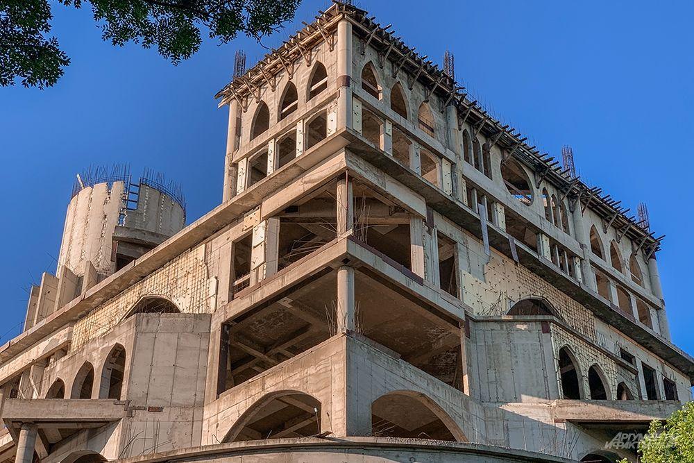 Зданию предстоит большая реконструкция.