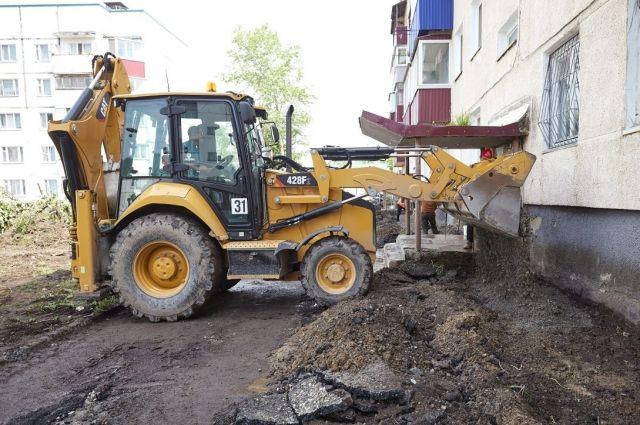 Работы будут вестись на основе разработанных ранее проектов с обязательным асфальтированием дворовых проездов.