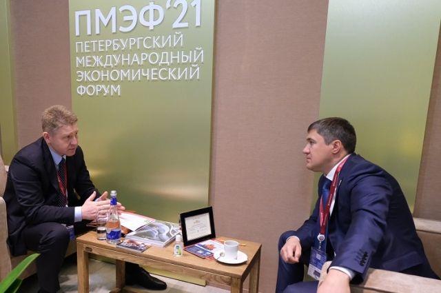 Генеральный директор компании «Свеза» Анатолий Фришман встретился с губернатором Пермского края Дмитрием Махониным.