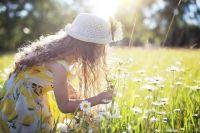 жидается преимущественно сухая, солнечная и тёплая погода с температурой воздуха немного выше климатической нормы.