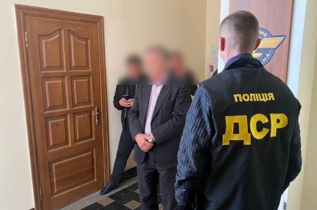 В Сумской области на взятке задержали чиновника Укразализныци