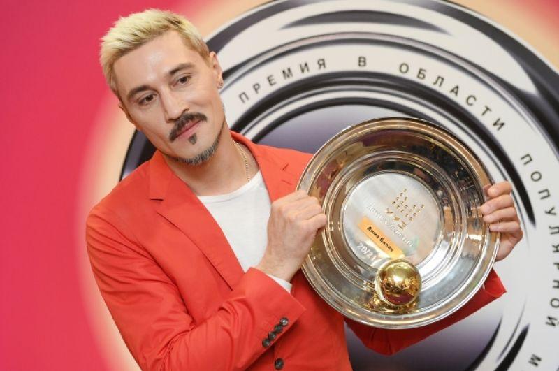 Артистом 25-летия признан певец Дима Билан.