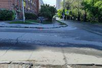 ДТП произошло в 9.40. Известно, что водитель на автомобиле, который пока не установили сотрудники ГИБДД, двигался по улице Ольги Жилиной в сторону улицы Ипподромской.