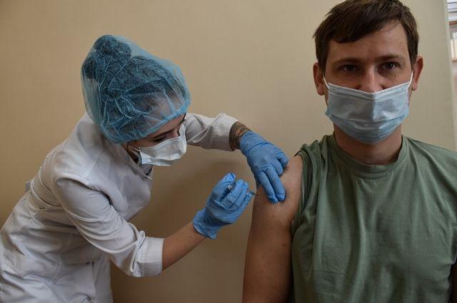 Полный список и режим работы пунктов вакцинации опубликован в Новосибирске