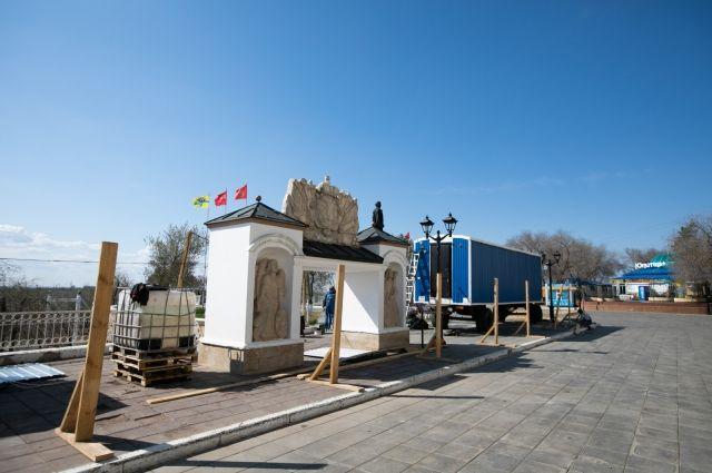 Реконструкция Елизаветинского спуска в Оренбурге отстает по графику.