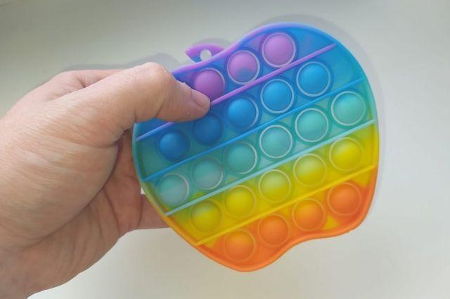 Поп-ит – игрушка против стресса из TikTok.