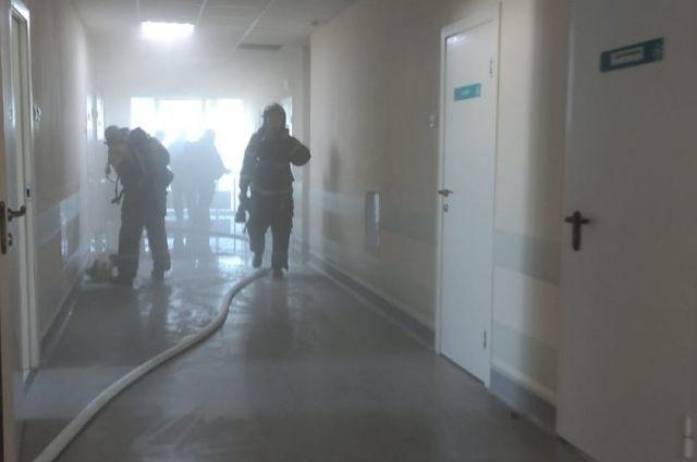 В Оренбурге ликвидирован пожар в областном перинатальном центре.