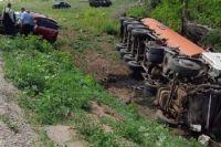 В Ташлинском районе оценивают ущерб от разлива нефти после смертельного ДТП с нефтевозом.