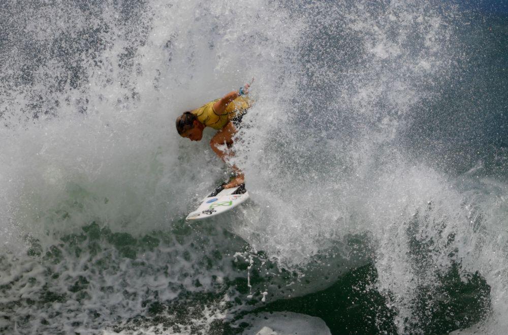 Португальская серфингистка Иоланда Секейра