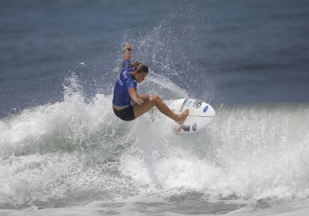 Серфингистка из Новой Зеландии Пейдж Хэрб