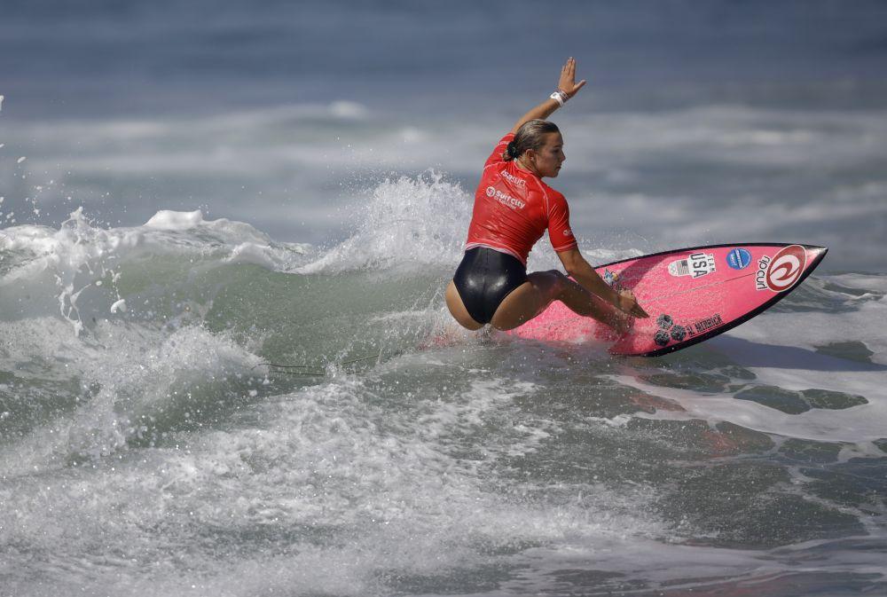 Американская серфингистка Алисса Спенсер