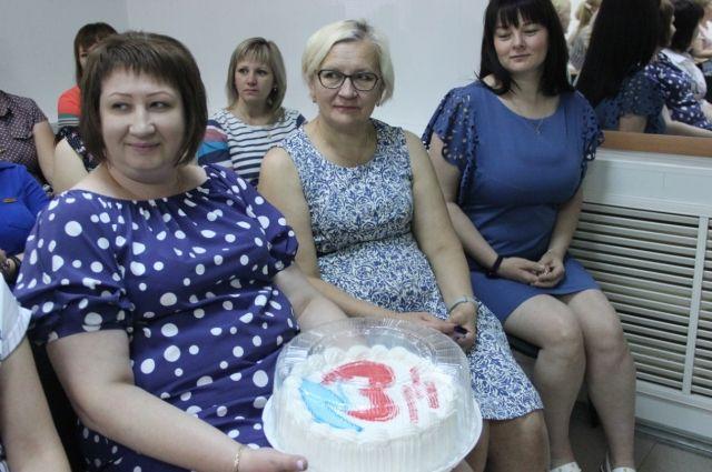 «Единая Россия» поздравила социальных работников Оренбуржья с профессиональным раздником.