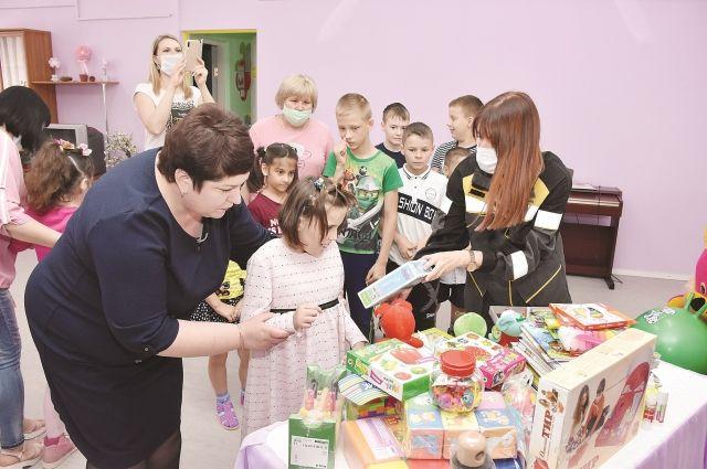 Благотворительные акции для поддержки детей проходят на предприятии постоянно и являются частью корпоративной социальной политики.