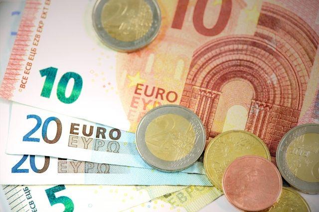 Курс евро на Мосбирже опустился до 88 рублей