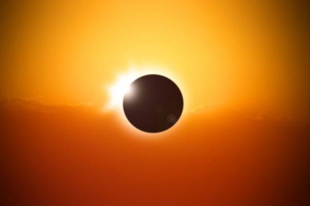 Луна закроет Солнце на 54%. Такого в регионе не наблюдалось несколько десятков лет.