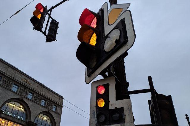 В Оренбурге выявили четыре перекрестка, на которых чаще всего происходят ДТП.