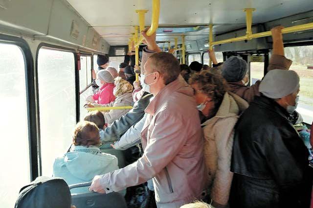 Самыми переполненными в Перми признали автобусы № 14, 32, 41, 53, 54, 57, 60.