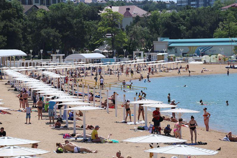 В Геленджике есть пляжи на любой вкус - песчаные и галечные, дикие и современо обустроенные, а также разные по глубине и чистоте моря.