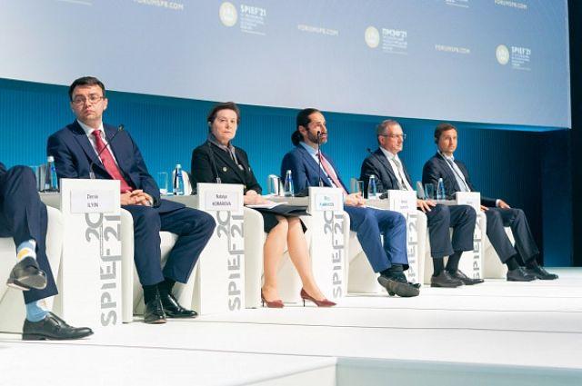 Наталья Комарова провела на форуме ряд важных встреч