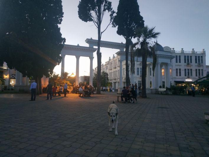 Вечер на набережной Сухума.
