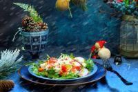 Овощной салат со слабосоленым лососем: рецепт нежного салата