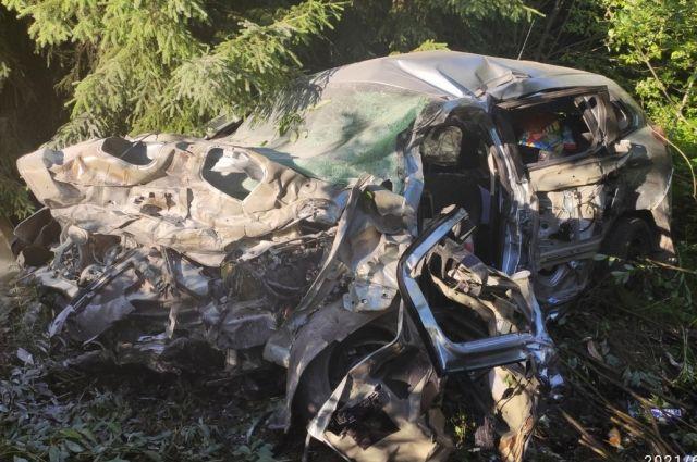 В аварии погибли 2 человека.