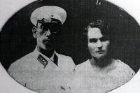 Генерал Андрей Власов с первой женой Анной Михайловной Власовой (в девичестве - Ворониной).
