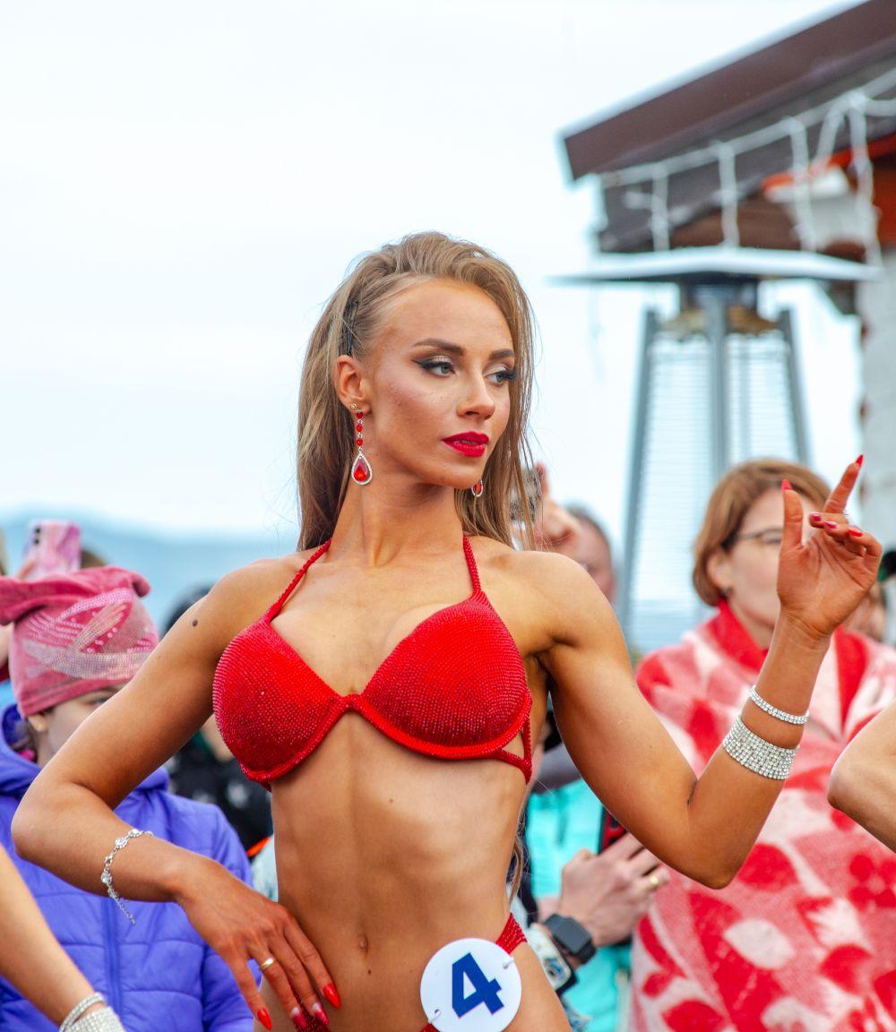 Гостей мероприятия ждали эффектные выступления в категории «фитнес-бикини».