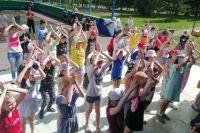 167 ребятишек из  «КрасЭйр» просят вернуть их обратно в лагерь.