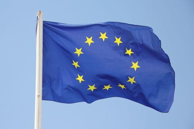 ЕС разрешил привитым гражданам стран Евросоюза свободные поездки   В мире   Политика