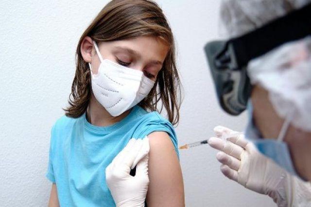 В Бразилии разрешили прививать подростков COVID-вакциной Pfizer.
