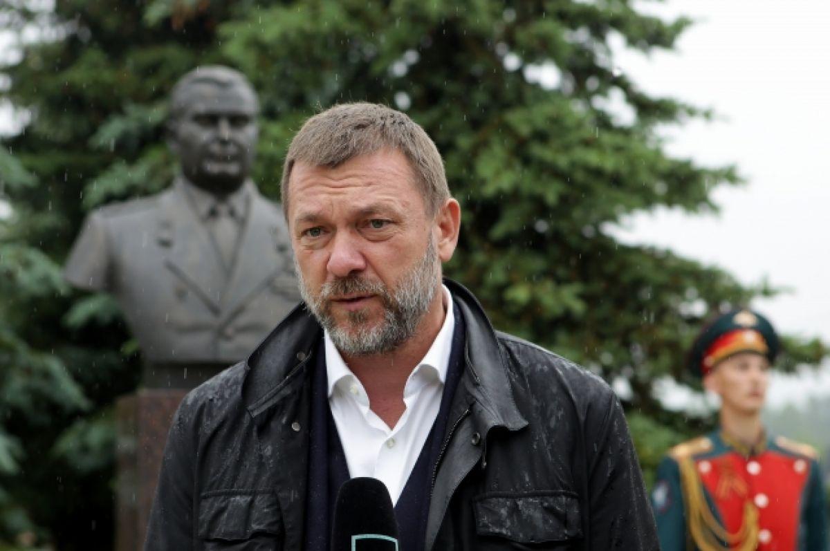 Дмитрий Саблин открыл в Новой Москве памятник Герою Семёну Федотову