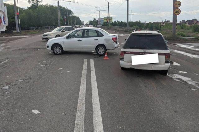В Оренбурге в столкновении Lada Granta и Subaru пострадала пятилетняя пассажирка.