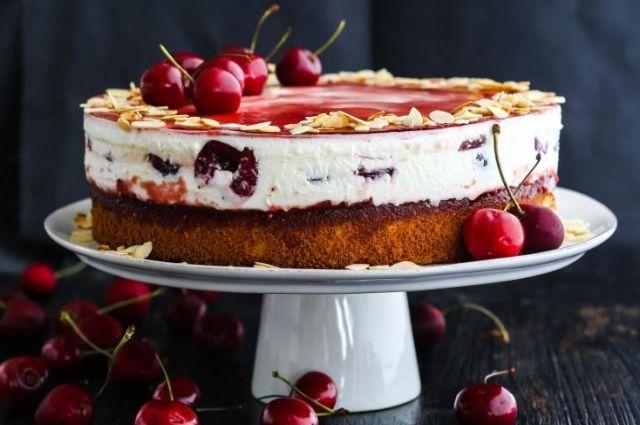 Йогуртовый торт с черешней: рецепт вкусного десерта
