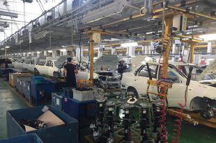 На заводе