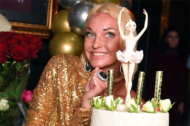Квартиру балерине подарил миллиардер Сулейман Керимов.