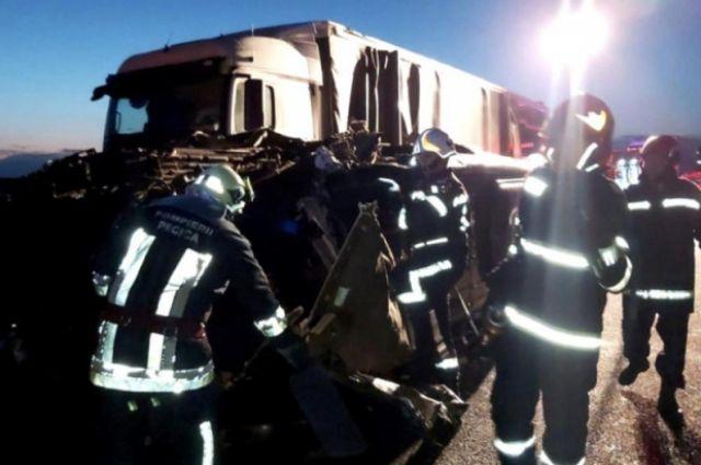 В Румынии произошло ДТП с украинским автобусом: есть жертвы.
