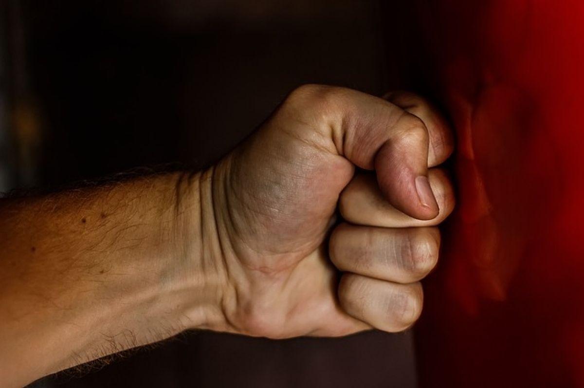 Избил соседку: Житель Абдулино может лишиться свободы на три года