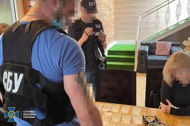 В Черкассах пресекли продажу поддельных тестов на коронавирус