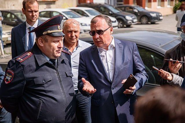 Глава Екатеринбурга встретился с руководителем городского отдела ГИБДД Вадимом Буйдалиным.
