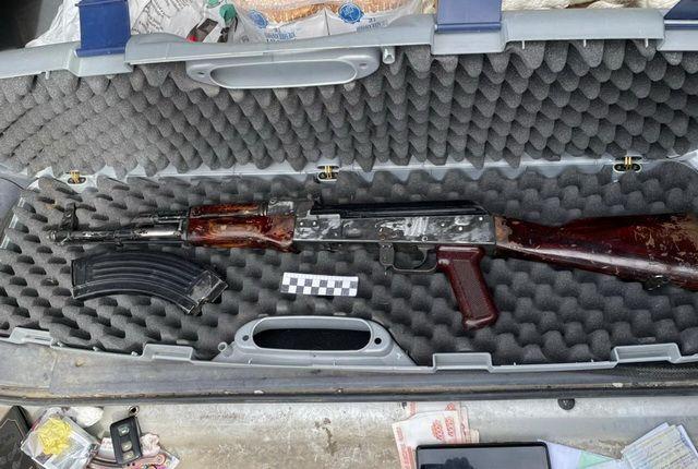 «Игры» с оружием: Как автолюбитель торговал автоматом