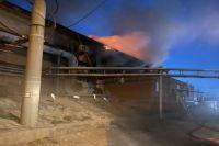 В региональном МЧС не сообщают причины крупного пожара в Новотроицке.