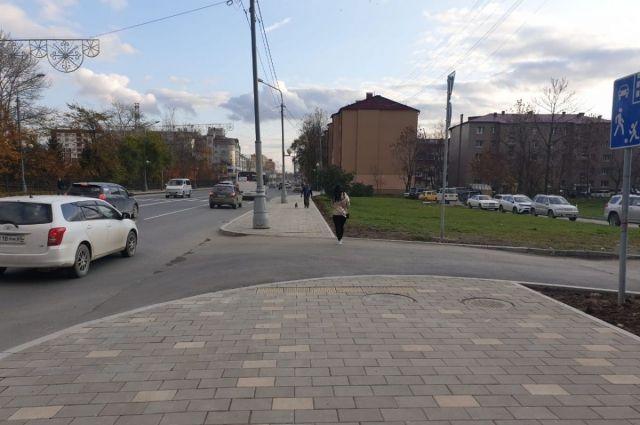 В прошлом году в качестве эксперимента при ремонте ул. Ленина приподнятые переходы были организованы возле домов № 286 и 318.