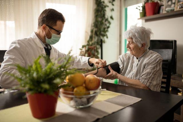 Дарить заботу пожилым. В стране действуют 73 гериатрических центра