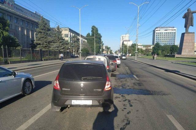 В массовом ДТП пострадала 21-летняя пассажирка в Саратове