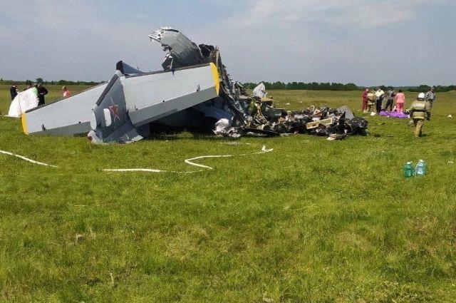 19 июня самолет L-410 совершил жёсткую посадку на Танае